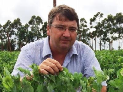 Guano Australia agronomist Rob Drewitt, who is also a former Senior Agribusiness Manager for an Australian bank.